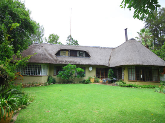 5 BR house for sale in Randbu, Gauteng, South Africa
