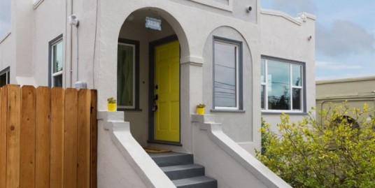 2 Bedroom (Laurel Detached Bungalow) for sale in OAKLAND, California, 94602, United States