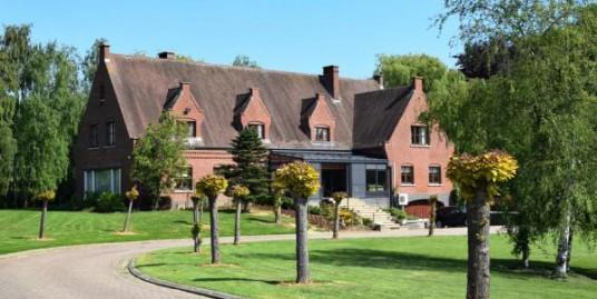 6 Bedroom Castle Villa for sale in Gaasbeek1750, Belgium