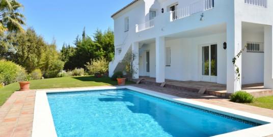 3 Bedroom Villa for Sale in Sotogrande Bajo, Sotogrande, Cádiz, 11310, Spain